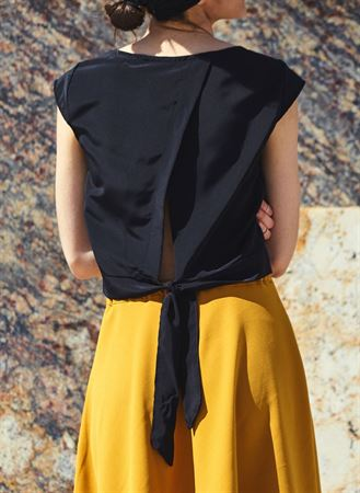 Picture of tie back top in black
